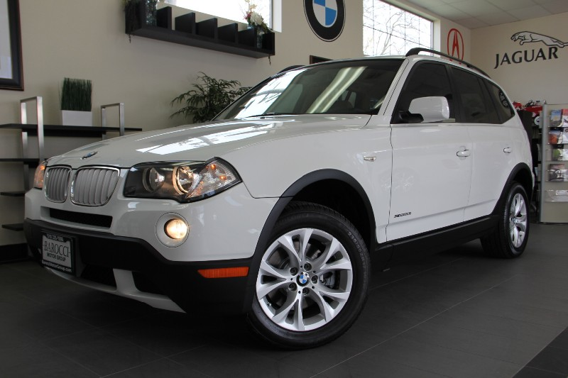 2009 BMW X3 30si White on Tan Automatic White Tan Comes with Panoramic roof traction contro