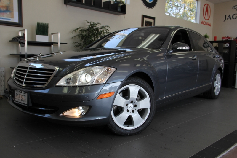 2007 MERCEDES S Class S550 4D Sedan Automatic Gray Black Very nice condition with heated leathe