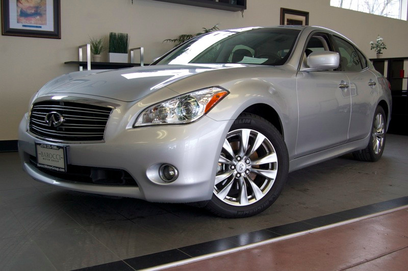 2012 Infiniti M M37 Sedan 4D Automatic 7-Spd wOverdrive  Manual Mod Silver Black Fantastic one