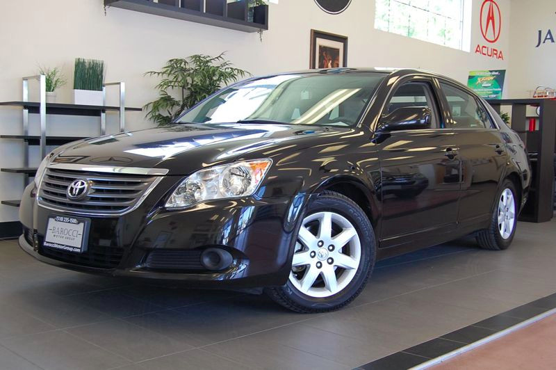 2009 Toyota Avalon XL Automatic Black Gray This Avalon has a clean Carfax report and comes with