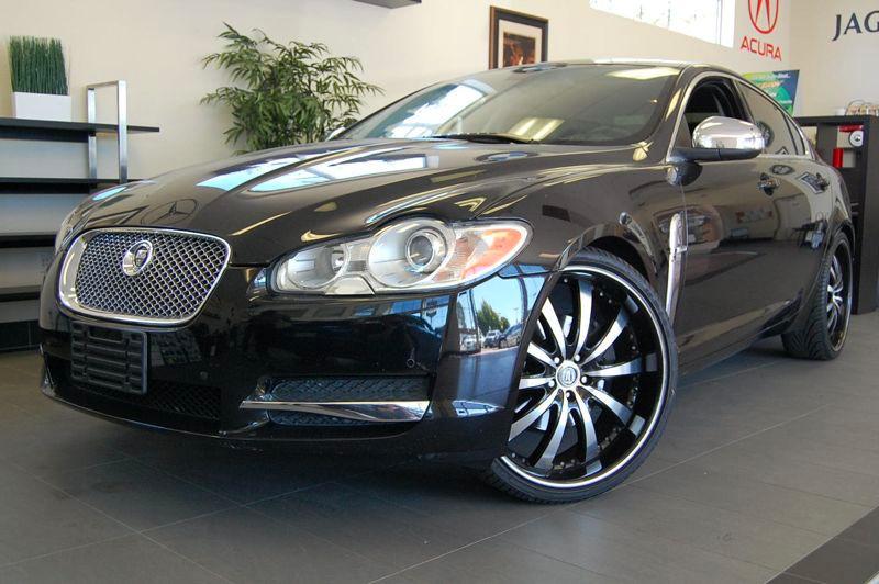2009 Jaguar XF Premium Luxury 4dr Sedan 6 Speed Auto Black Black This is a beautiful car in fant