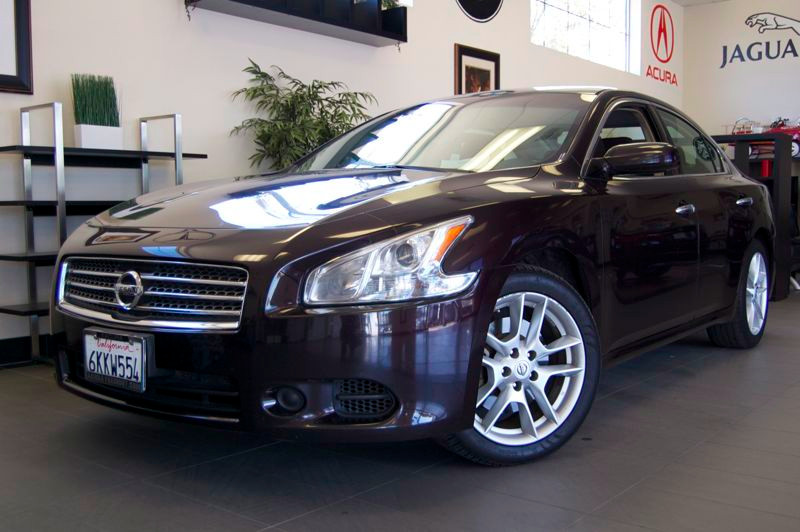 2010 Nissan Maxima 35 S 4dr Sedan Automatic Purple Charcoal This is a beautiful Maxima 35 S in