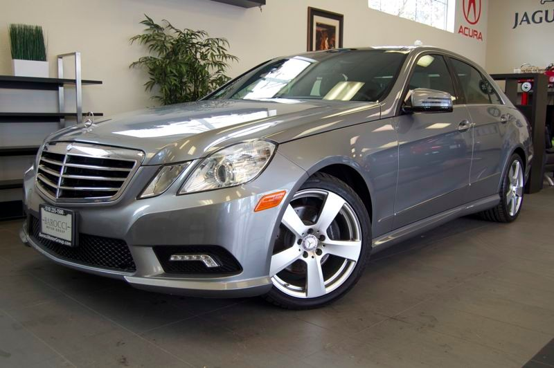 2011 MERCEDES E-Class E350 Sport 4dr Sedan Automatic Gray Gray This is a fantastic car with rear
