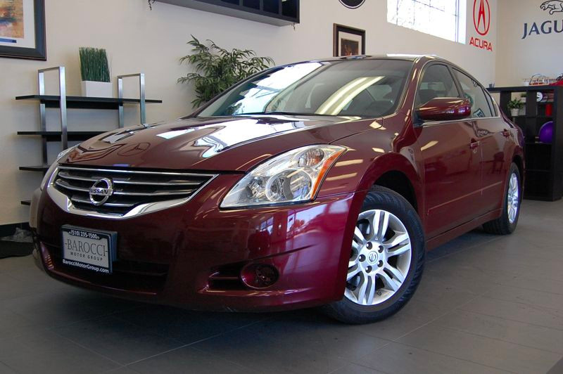 2011 Nissan Altima 25S 4dr Sedan Automatic Red Black Wonderful car with convenience package and