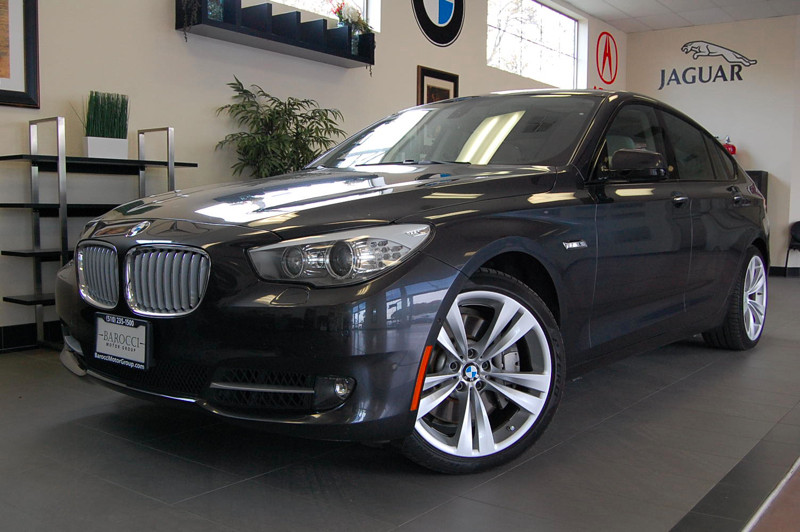 2011 BMW 5 Series 550i Gran Turismo 4dr Hatchback 8 Speed Auto Gray Tan This is an absolutely be