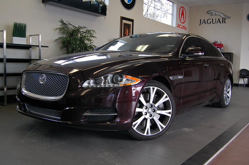 2011 Jaguar XJ Supercharged 4dr Sedan 6 Speed Auto Purple Tan This is a beautiful Supercharged b