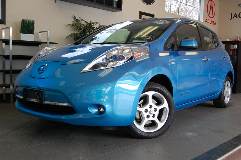 2012 Nissan LEAF SL 4dr Hatchback Continuously Variable Transmission Blue Gray This is a beautif
