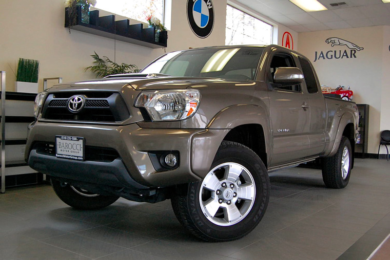 2012 Toyota Tacoma Access Cab PreRunner V6 5 Speed Auto Other Gray This is a fantastic truck wit