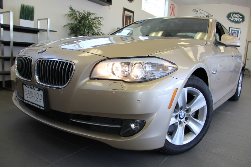 2011 BMW 5 Series 528i 4dr Sedan Factory Wty Automatic Gold Brown This is an excellent sedan wi