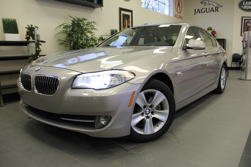 2012 BMW 5 Series 528i xDrive AWD  4dr Sedan Automatic Silver Tan A very nice Sedan with Navigat