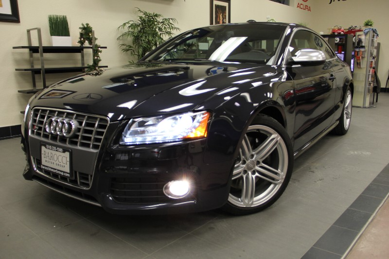 2012 Audi S5 42 quattro Premium AWD  2dr Coupe Automatic Blue Brown This is a beautiful Audi w
