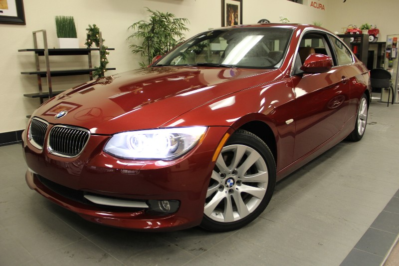 2011 BMW 3 Series 328i 2dr Coupe 6 Speed Manual Red Brown This is a beautiful vehicle in great c