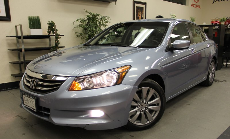 2012 Honda Accord EX-L V6 4dr Sedan Automatic Lt Blue Black This is a beautiful vehicle in gre