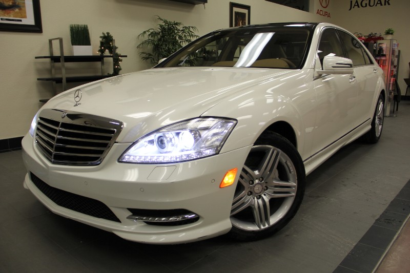 2013 MERCEDES S-Class-SPORT PKGAM S550 4dr White on Tan Automatic White Tan Beautiful S Class