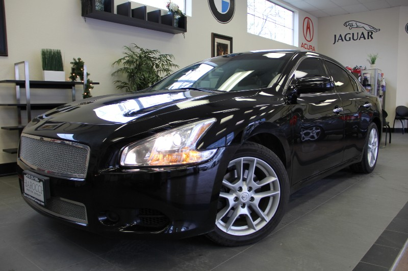 2010 Nissan Maxima 35 SV 4dr Sedan Automatic Black Black This is a beautiful Maxima 35 S in fa