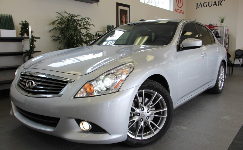 2013 Infiniti G37 Sedan Sport 4dr Sedan Automatic Silver Black This is a beautiful one owner Cal