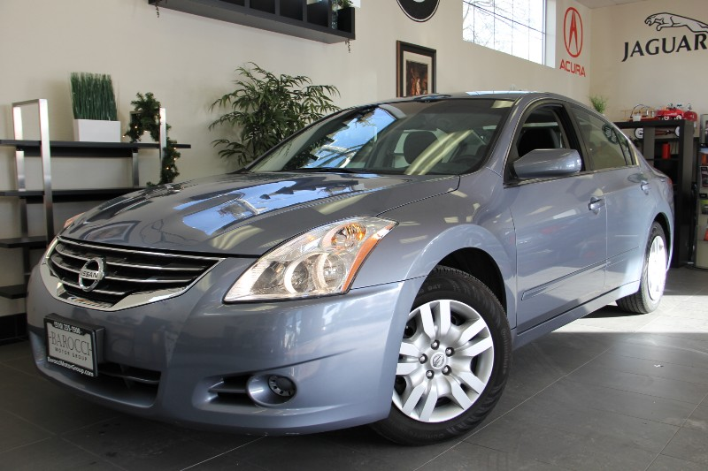 2012 Nissan Altima 25 S 4dr Sedan CVT Automatic CVT Blue Black This is a fantastic Altima with