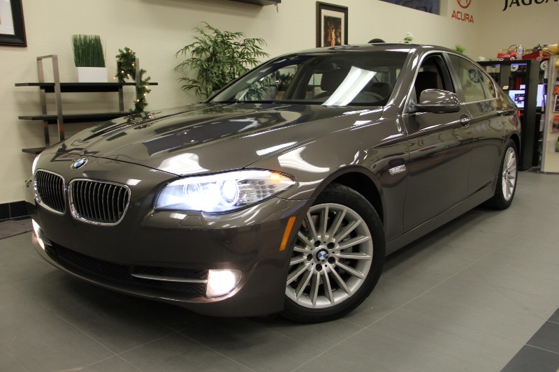 2011 BMW 5-Series 535i Fantastic Color Navi  Automatic Dk Brown Brown Rare color in excellent