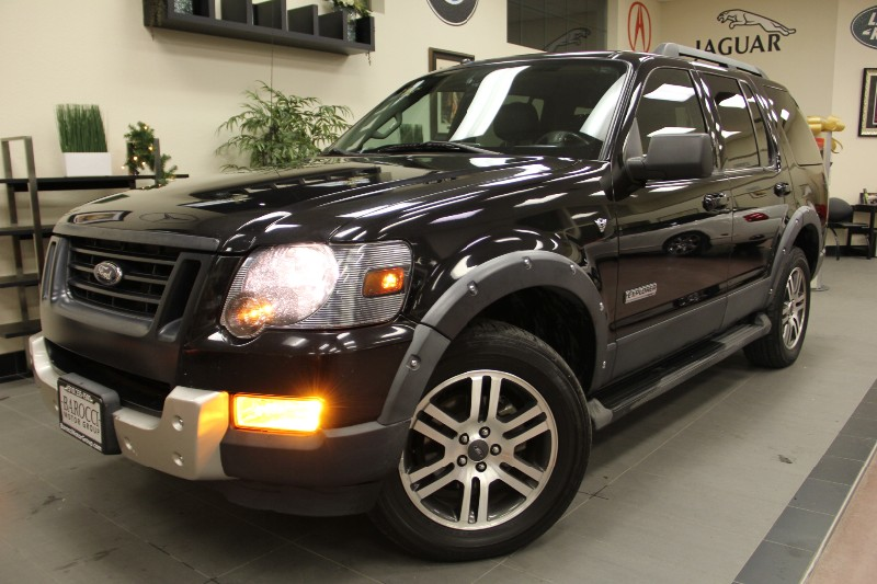 2007 Ford Explorer XLT 4WD Third Row Seat Automatic Black Beige This is a great comes with 3r