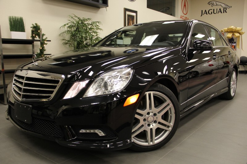 2011 MERCEDES E-Class E350 Sport Pkg Navigation Automatic Black Tan This E-Class with the Tan