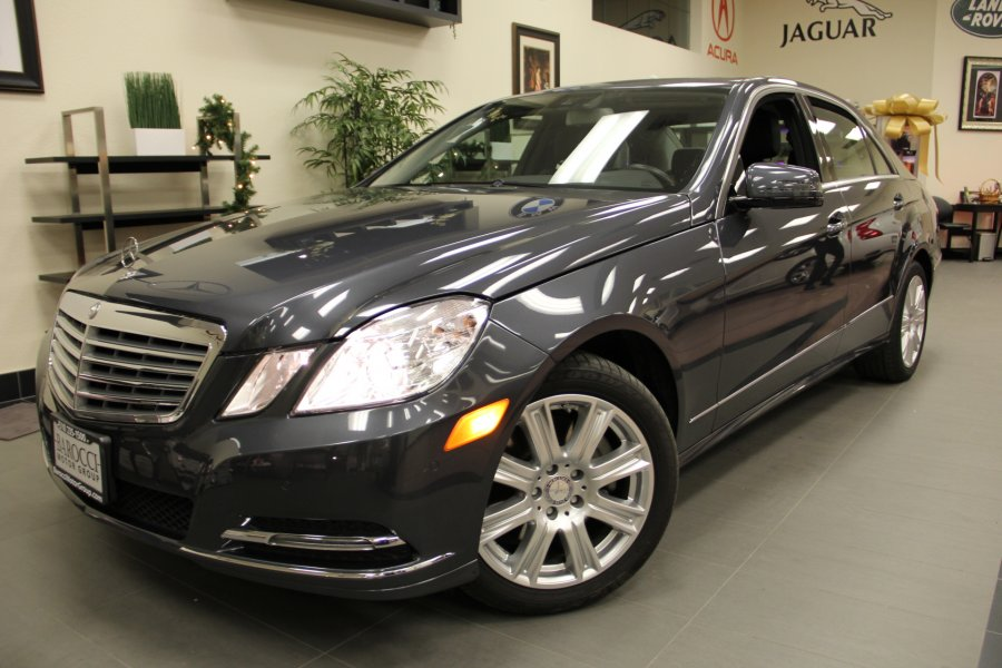 2013 MERCEDES E-Class E350 Luxury PkgNavigation  Automatic Gray Black Why buy new when you ca
