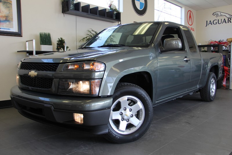 2010 Chevrolet Colorado LT 4x2 4dr Extended Cab w1 Automatic Gray Black This is a beautiful veh