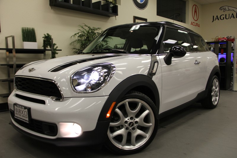 2013 MINI Cooper Paceman S-Model Hatchback  Automatic White Black This is a beautiful vehicle
