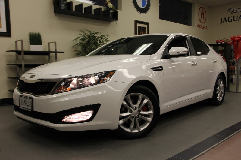 2012 Kia Optima EX 4dr Sedan 6A Automatic White Tan This Optima Is A Great Luxurious Commute Car