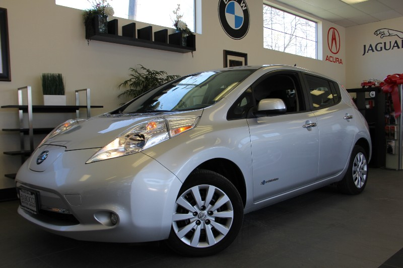 2013 Nissan LEAF SL 4dr Hatchback Automatic Silver Black This Leaf is a well equipped car has fe
