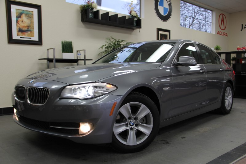 2012 BMW 5 Series 528i 4dr SedanNavigation Automatic Gray Tan This is a beautiful vehicle in g