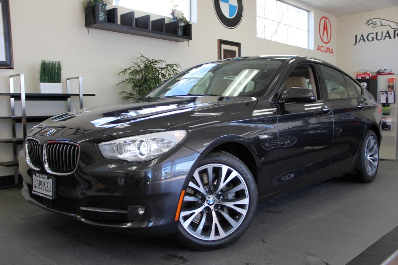 2011 BMW 5 Series 550i Gran Turismo 4dr Hatchback Automatic Gray Tan This Gran Turismo Edition