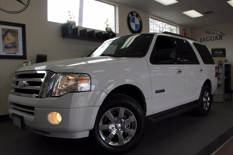 2008 Ford Expedition XLT SUV 4X2 Automatic Off White Gray This is a great car runs great has