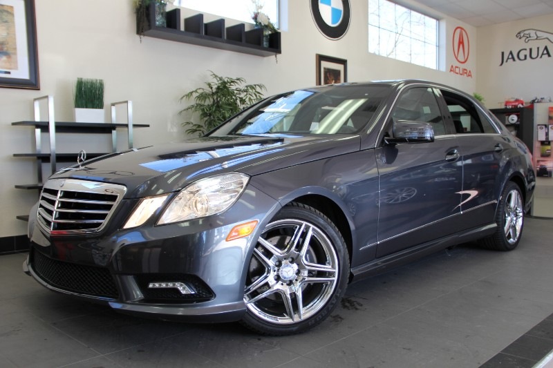 2011 MERCEDES E-Class E350 Sport 4dr Sedan Automatic Gray Black This is really a gem Comes with