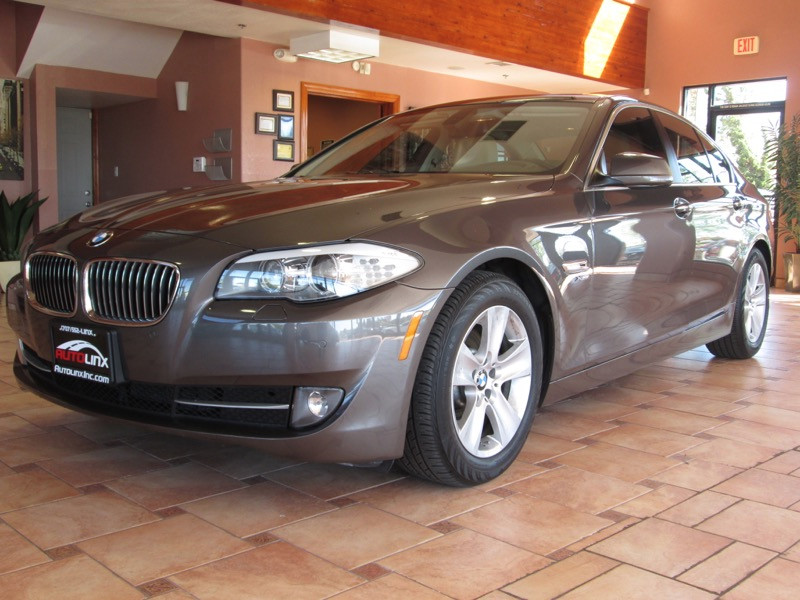 2012 BMW 5 Series 528i xDrive AWD Automatic Gray Beige AWD and Beige Turbocharged GPS Nav Au