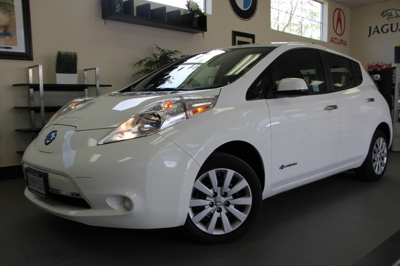 2013 Nissan LEAF S 4dr Hatchback Automatic White Black This Leaf is a well equipped car has fea