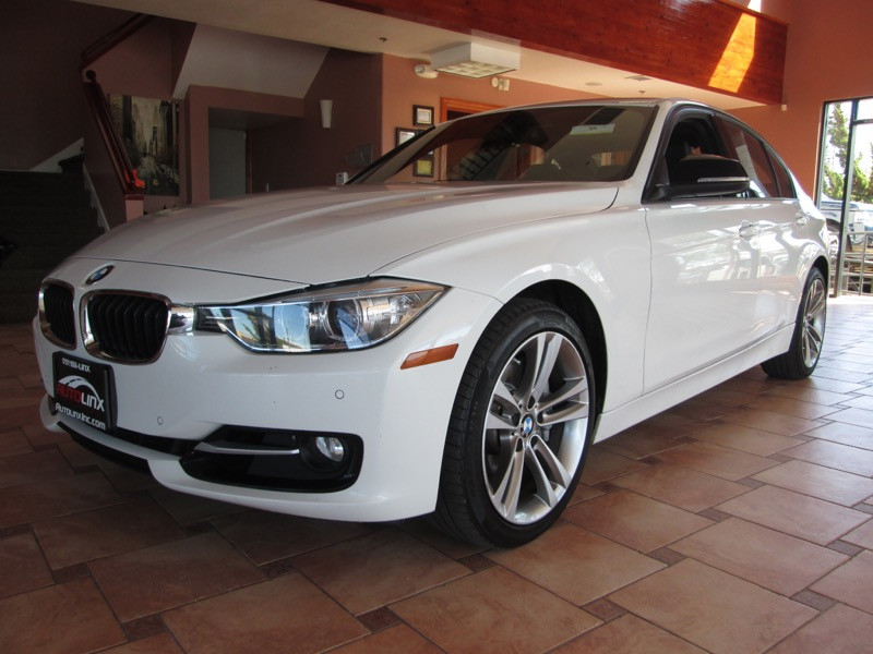 2014 BMW 3-Series 335i xDrive Sedan Automatic White Black Accident free Carfax History One Own