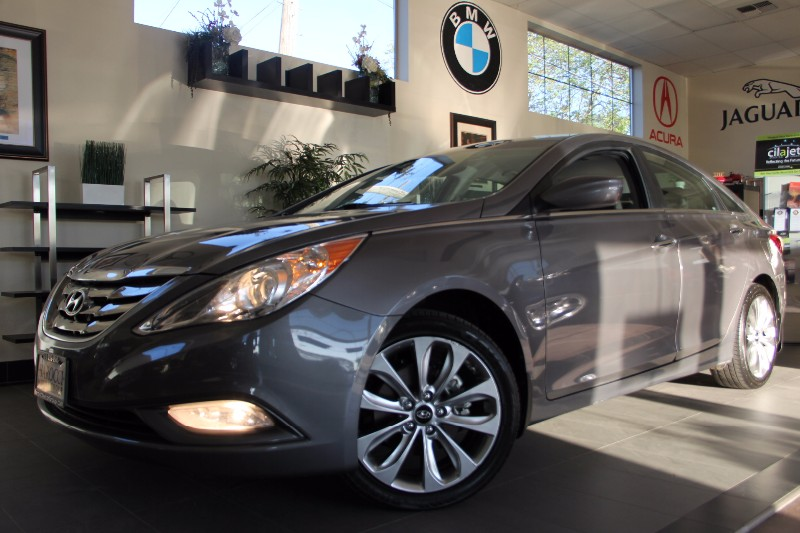 2011 Hyundai Sonata SE 4dr Sedan 6A Automatic Gray Gray Great Looking Sonata has bluetooth pho