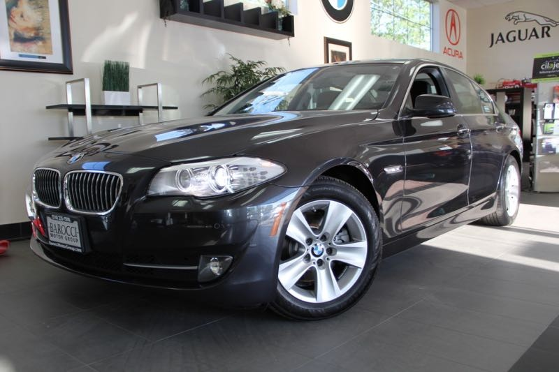 2012 BMW 5 Series 528i 4dr Sedan Automatic Gray Black This is a beautiful vehicle in great cond