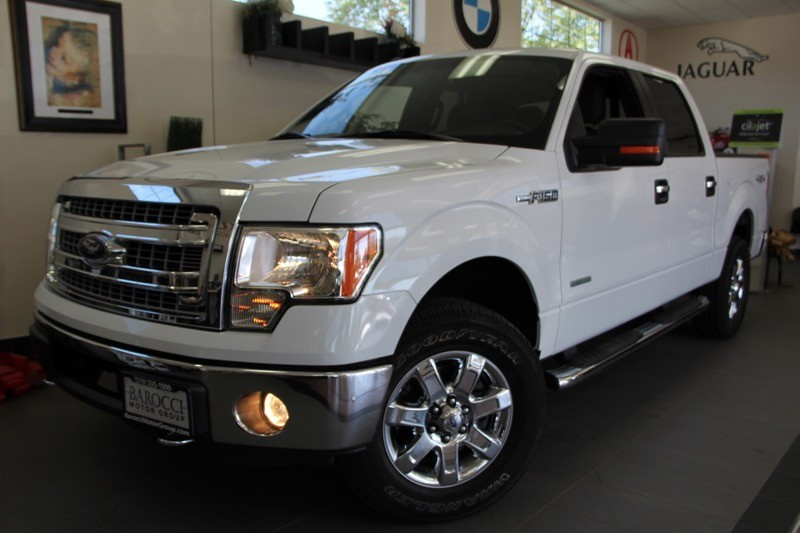2013 Ford F-150 XLT 4x4  4dr 6 Speed Auto White Charcoal This is a fantastic truck with the Eco