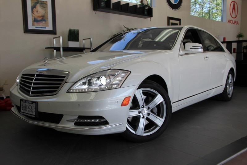 2011 MERCEDES S-Class S550 4dr Sedan 7 Speed Auto White Black This car is loaded with features