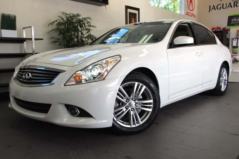 2012 Infiniti G37 Sedan Journey 4dr Sedan 7 Speed Auto White Beautiful sedan with a ton of featu