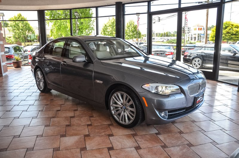 2011 BMW 5-Series 550i M-SPORT PKG Automatic Gray Gray Navigation Accident free Carfax History