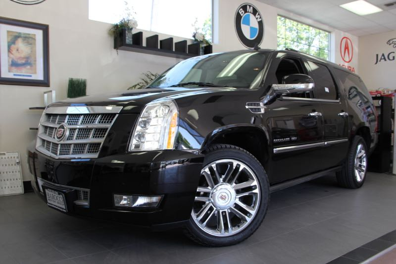 2012 Cadillac Escalade ESV Platinum Edition AWD  4dr SUV 6 Speed Auto Black Black This is an im