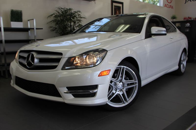 2013 MERCEDES C-Class C250 2dr Coupe 7 Speed Auto White This beautiful One Owner car gets an est