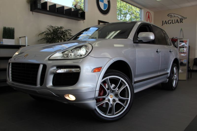 2009 Porsche Cayenne GTS SUV 4dr AWD 6 Speed Man Silver Black This Cayenne GTS puts out an imp