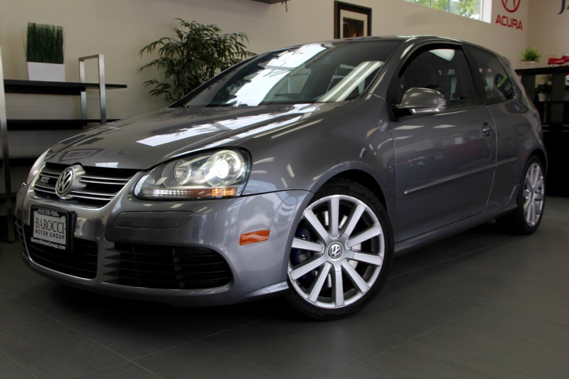 2008 Volkswagen R32 Hatchback AWD 6 Speed Auto Gray This sport hatch has the 32-liter motor tha