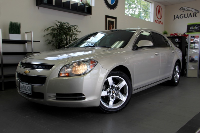 2010 Chevrolet Malibu LT 4dr Sedan 6 Speed Auto Gold Tan This is a beautiful vehicle in great c