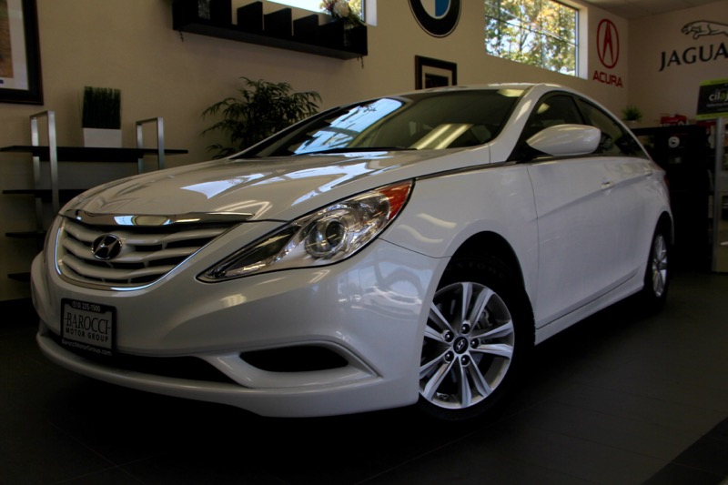 2012 Hyundai Sonata GLS 4dr Sedan Automatic White Includes Bluetooth phone connection satellite