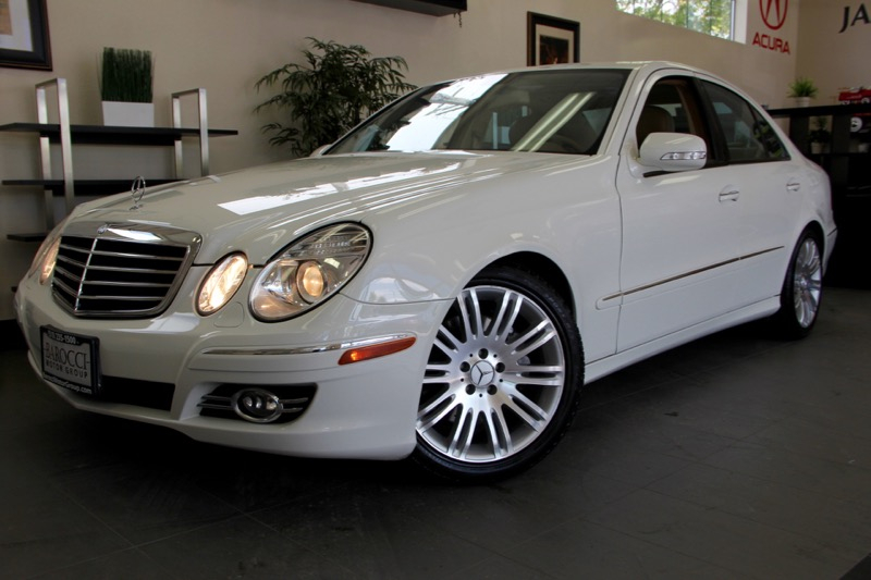2007 MERCEDES E-Class E350 4dr Sedan 7 Speed Auto White Fantastic E Class with Navigation Heate