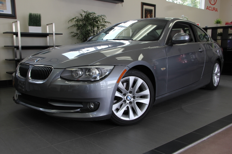 2012 BMW 3 Series 328i 2dr Coupe 6-Speed Automatic  Gray This is a beautiful vehicle in great co